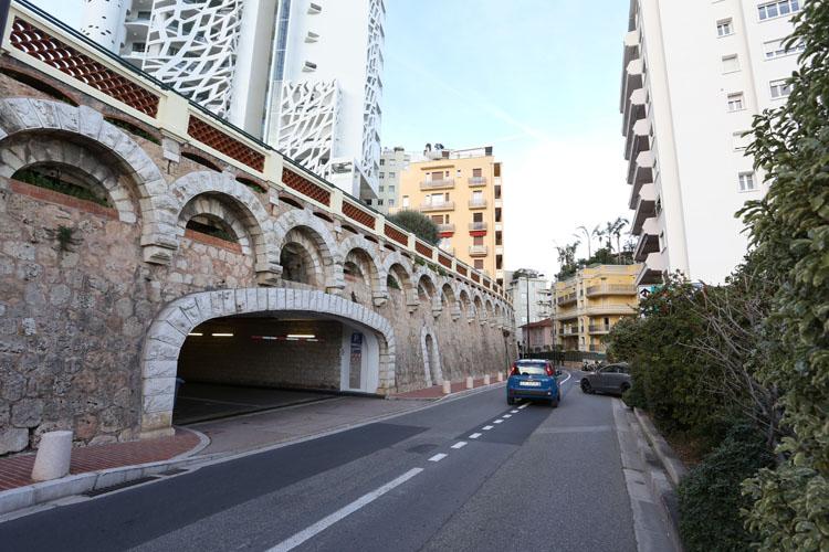 Parking du jardin exotique mobee for Boulevard du jardin botanique 20